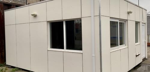 Boomkwekerij Roest te Vessem heeft een accommodatie overgenomen van Formulebouw voor kantoor en kantine bij de bedrijfshal